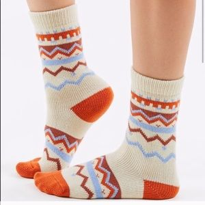 URBAN OUTFITTERS SOCKS